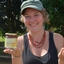 Yoanne alias La Tambouille Sauvage, qui est en train de monter une ativité de cueillette dans l'Avesnois (Vous pouvez aussi la suivre sur facebook.)