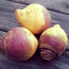 Rutabaga : https://tournichette.wordpress.com/le-rutabaga/